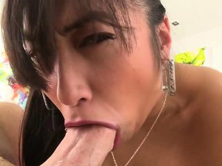 Fat caf� drills her tight ass