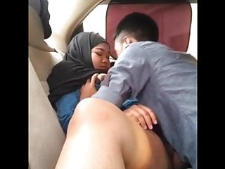 Indonesian MILF Licked by her Fixture in Passenger car