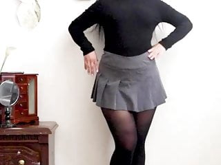Atomickeeratic Asian Tolerant in Pantyhose 5