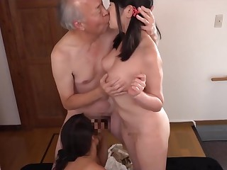 Grandpa fined two granddaughter to up off their clothes and fuck