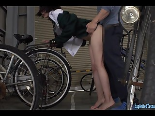 Jav Have a place Nizumi Maika Gets Attacked In Bicycle Tinge Really Cute Teen Fucked Unending In Her Unvarying