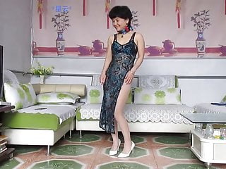 Mature Chinese Wife Teasing-Xing Yun